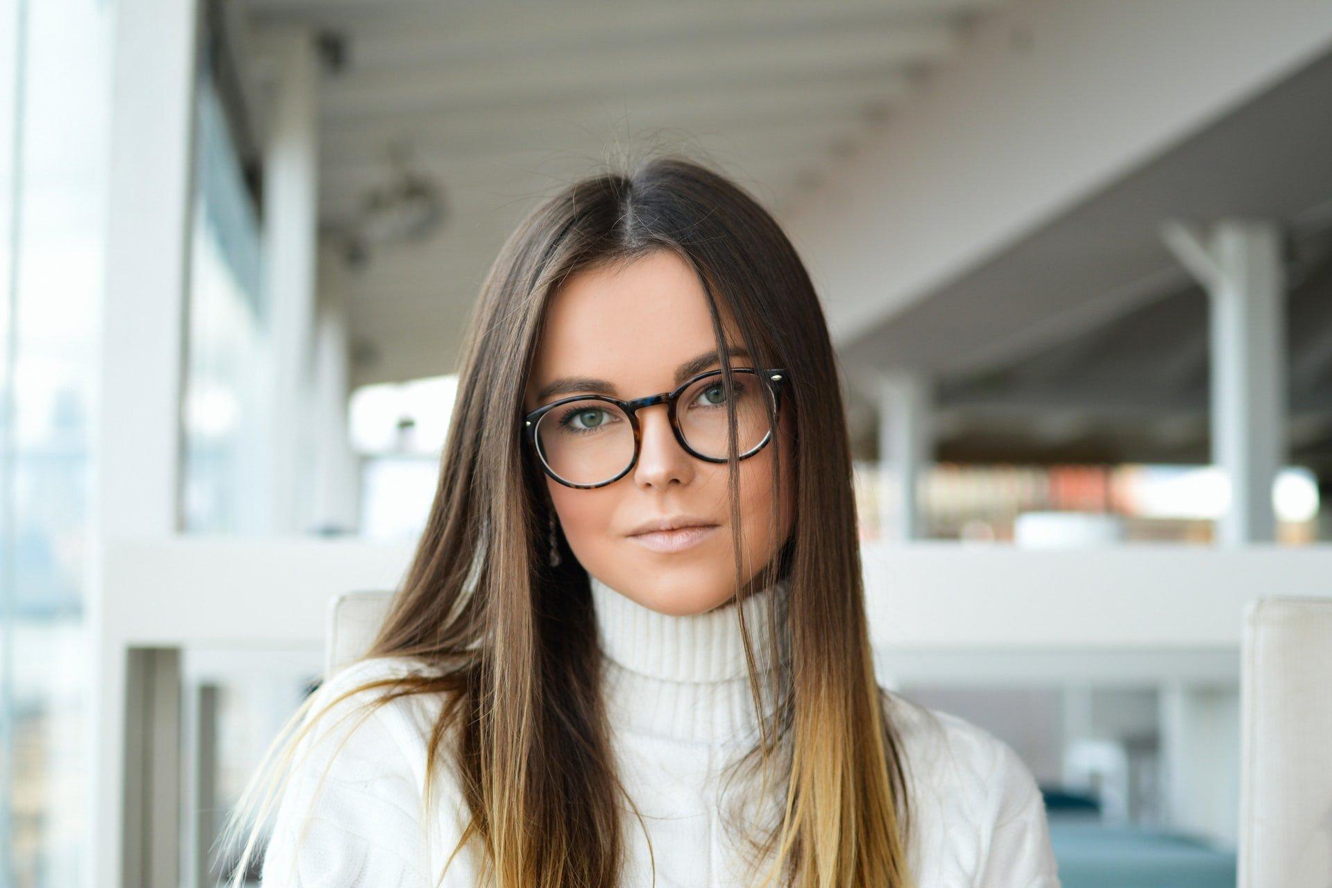 tip cu ochelari pentru vedere